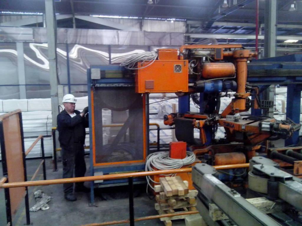 Демонтаж на линия за екструзия на алуминиеви профили
